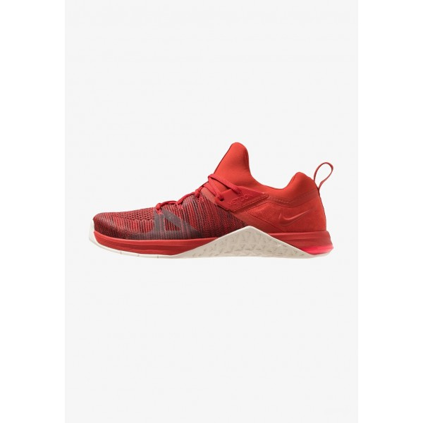 Black Friday 2020 | Nike METCON FLYKNIT 3 - Chaussures d'entraînement et de fitness mystic red/sail/red orbit liquidation