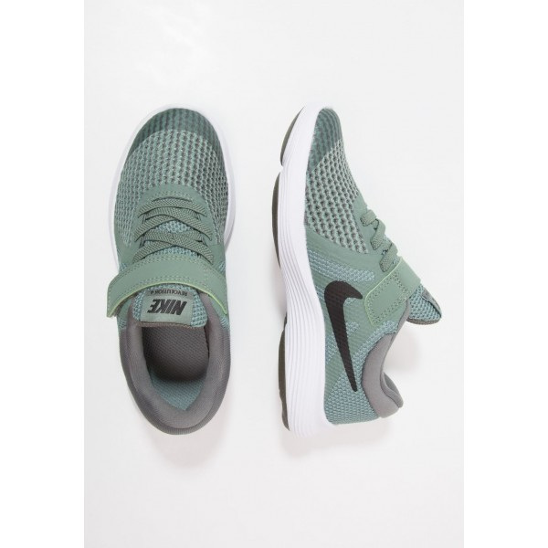 Cadeaux De Noël 2019 Nike REVOLUTION 4 - Chaussures de running neutres clay green/black/river rock/white liquidation