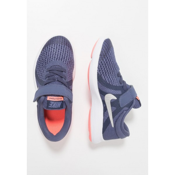 Nike REVOLUTION 4 - Chaussures de running neutres sanded purple/metallic silver/midnight navy/lava glow liquidation