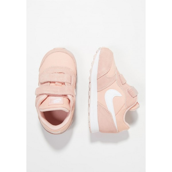 Nike NIKE MD RUNNER 2 - Chaussures premiers pas coral stardust/white liquidation